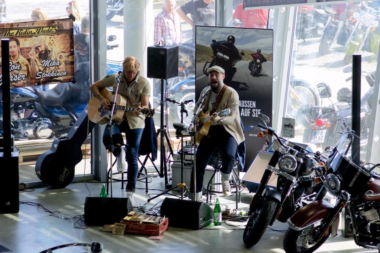 Duo Dudes beim Harley Open House St. Pölten 14.04.2018